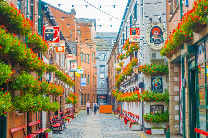 why-you-should-visit-what-to-do-belfast-ireland-01